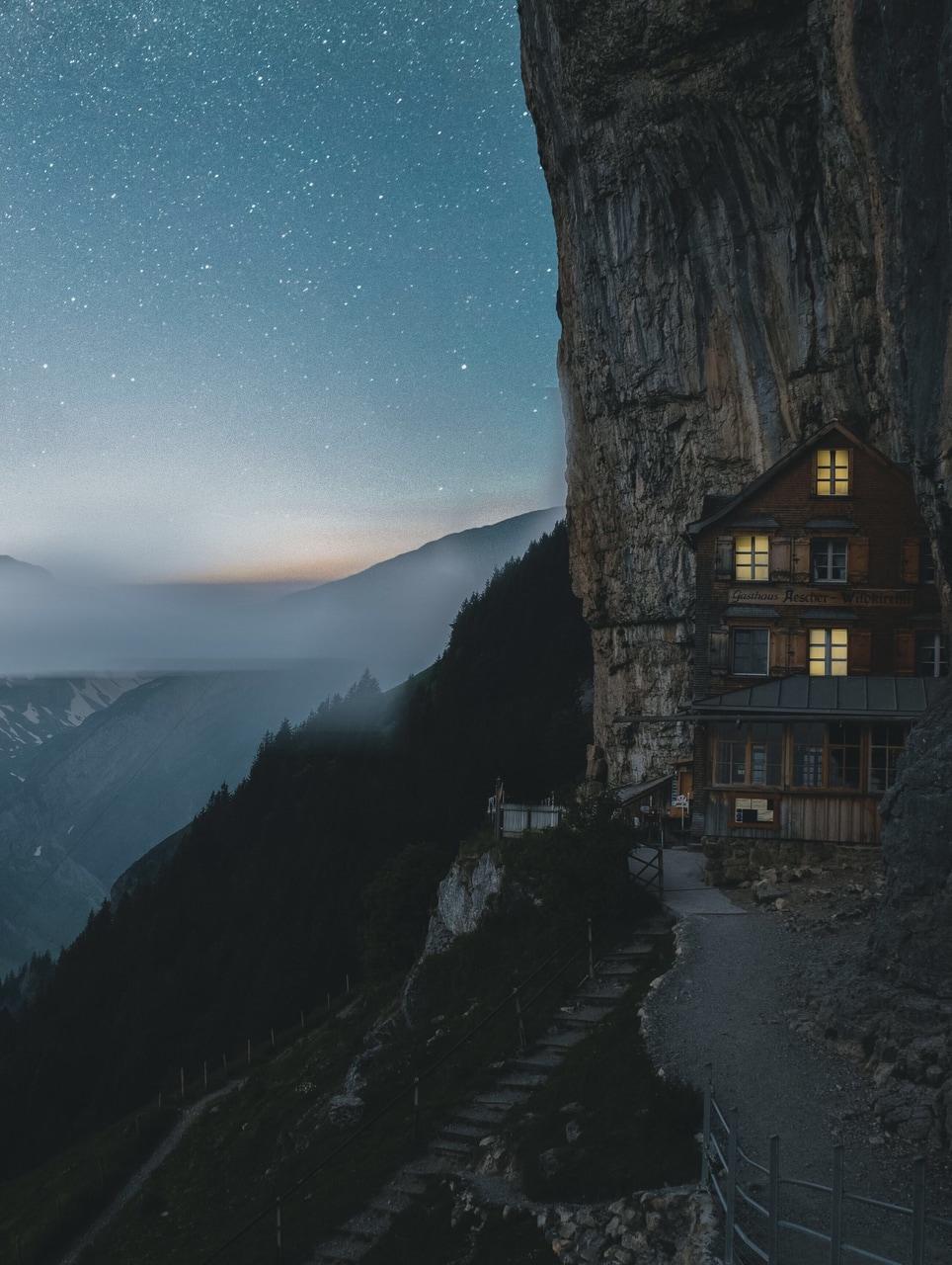 Cabin In Mountains Source Instagram Fputak