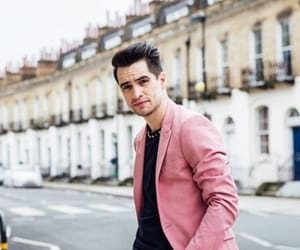 brendon urie, panic! at the disco, and beebo image