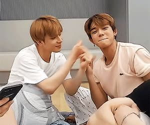 gif, lucas, and jungwoo image
