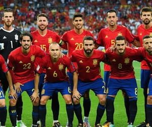 espana, world cup, and iniesta image