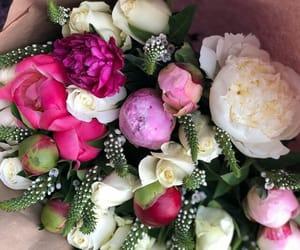 flowers, surprises, and womancrushalldayeveryday image