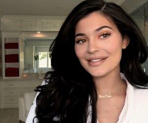 kardashians, beauty, and celebrities image