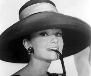 audrey hepburn, beauty, and earrings image