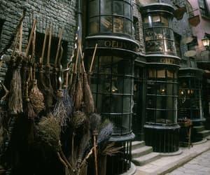 harry potter, hogwarts, and sdmnxoxo image