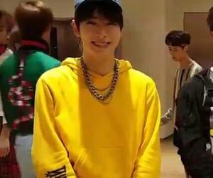 hoodie, korean, and kpop image