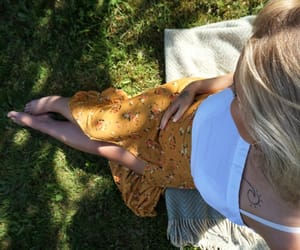 blogger, blonde, and pregnancy image