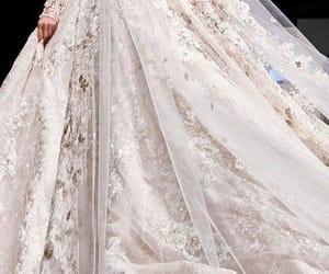 bonito+güzel+tatlı, moda+mode+model, and daily fashion+class image