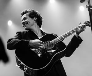 Harry Styles, one direction, and black and white image