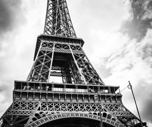 blackandwhite, eiffelturm, and paris image