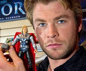 chris hemsworth, thor, and thor odinson image