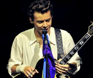 Harry Styles, one direction, and pride image