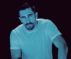 actor, jake gyllenhaal, and blue image