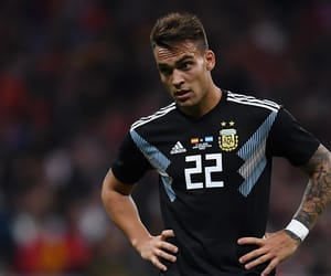 22, italia, and lautaro martinez image