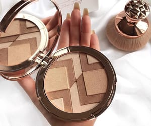 amazing, girly, and bronzer image