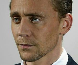 art and tom hiddleston image
