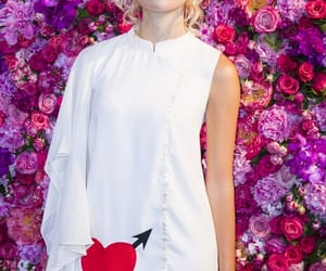 elegancia, front row, and pixie lott image