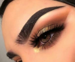 brown, everday, and golden eyeshadow image