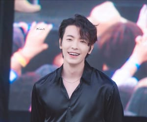 boys, donghae, and handsome image