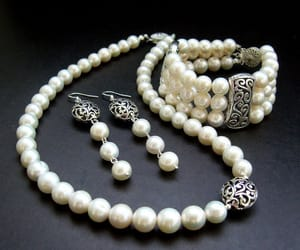 pearl and pearls image
