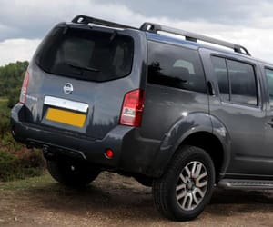 nissan and pathfinder image