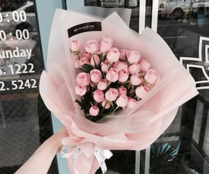 tumblr inspiration, bouquets luxury glamour, and flowers roses plants image