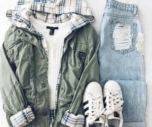 invierno, outfit, and parka image