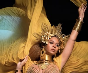 beauty, beyonce knowles, and gold image