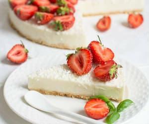 cake, cakes, and fruit image