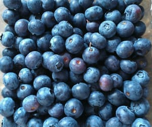 aesthetic, blue, and blueberries image