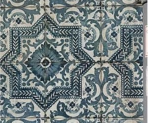 blue and white, pattern, and geometric image
