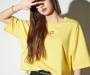 kpop, yellow, and lisa image