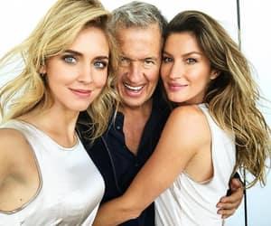Gisele Bundchen, Mario Testino, and models image