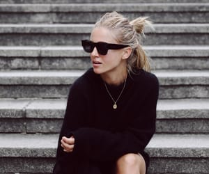 black, fashion, and minimal image