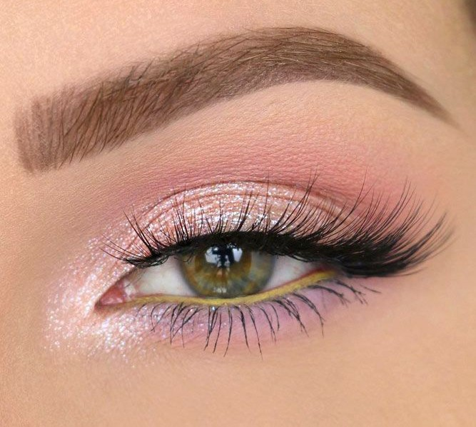 Classy Look Eye Makeup On We