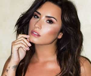 demi lovato, style fashion clothes, and aesthetic grunge edit image