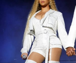 beyonce knowles, milan, and mrs carter image