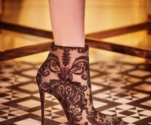 heels, belleza, and moda image