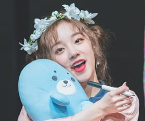 yuqi and (g)i-dle image