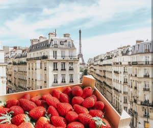 paris and strawberry image