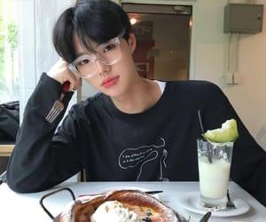 boy, food, and ulzzang image