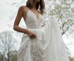 romantic, simply, and wedding dress image