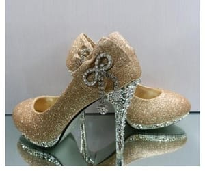 bridal shoes and stiletto heels shoes image