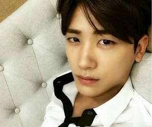 asian, korean actor, and park hyung sik image
