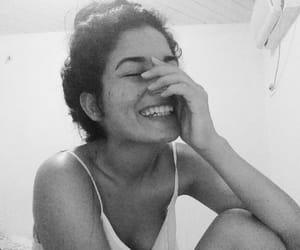 girl, sorriso, and sorrir image