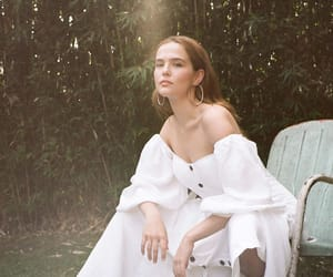 zoey deutch and who what wear image