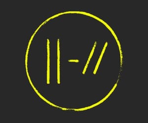 twenty one pilots, tøp, and yellow image