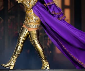 beyonce knowles, mrs carter, and on the run ii tour image