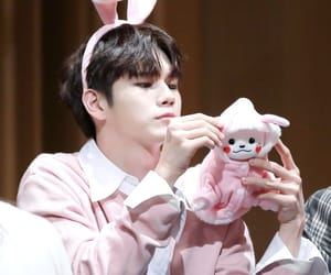 wanna one, ong seongwoo, and seongwoo image
