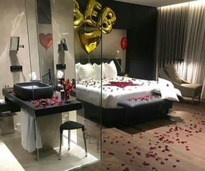 bed and roses image