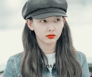 aesthetic, asian girl, and beret image